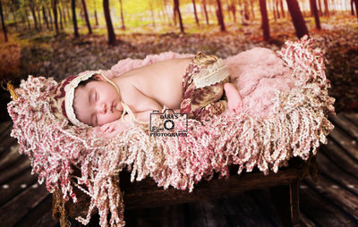 Davie newborn baby photographer wooden cradle newborn girl